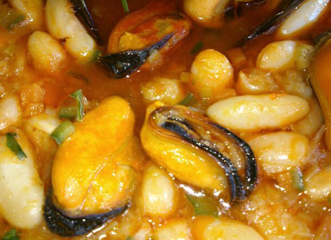 fotos-restaurante_0041_Potaje Marinero de Fabes .jpg